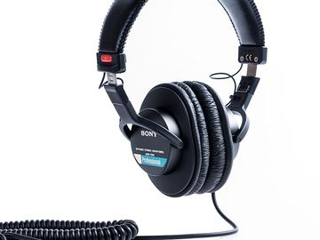 Rent: Sony MDR7506 Professional Large Diaphragm Headphone
