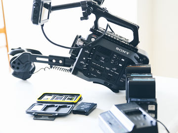 Rent: Base Sony FS7 Value Package