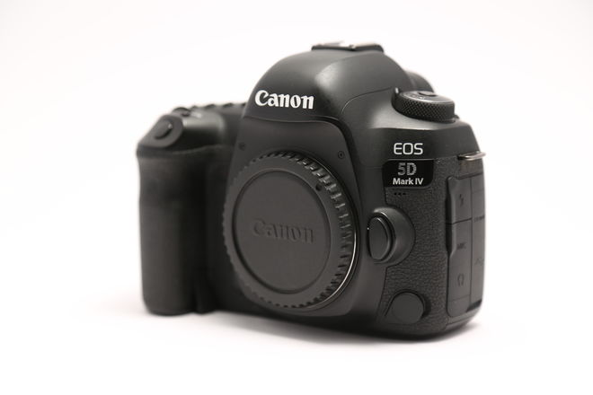 Canon EOS 5D Mark IV w/ C-LOG