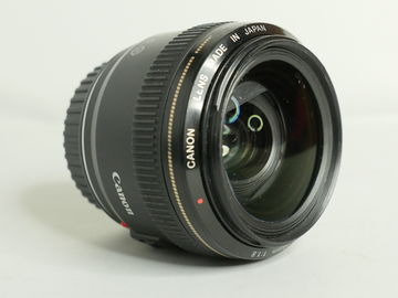 Rent: Canon EF 28mm f/1.8