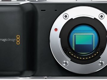 BlackMagic Pocket Cinema Camera + 6 Batteries + Charger