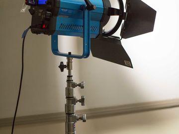 Rent: Dracast LED 1500 Bi-Color Fresnel