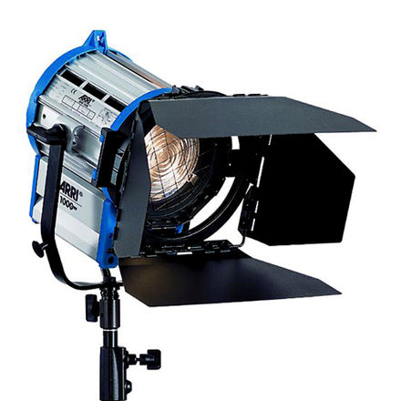Arri 1k Fresnel Light with aluminum triple riser stand