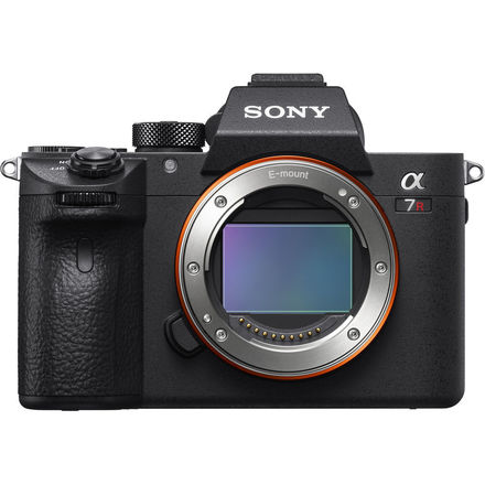 Sony a7R III Body with Card and Batteries A7RIII