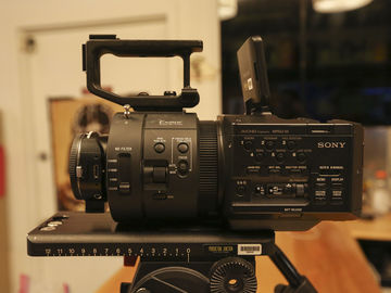 Rent: Basic Sony FS-700 Package