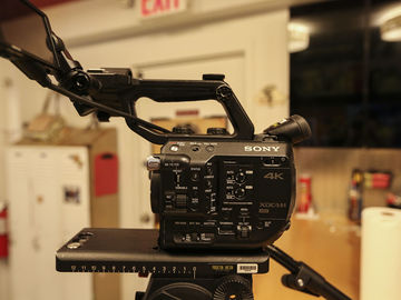 Rent: Sony FS5 Camera Package
