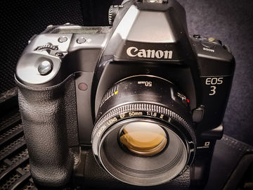 Rent: Canon EOS 3 with 50mm f1.8