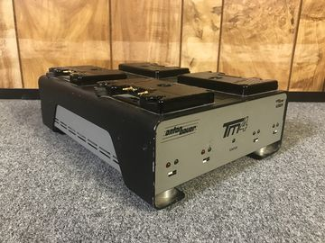 Rent: Anton Bauer TM4 Four Position Gold Mount Charger