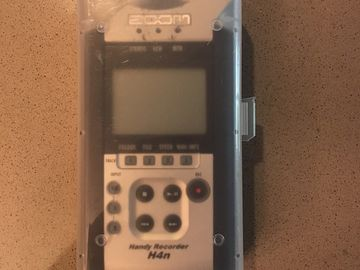 Rent: Zoom H4n Pro 4-Channel Handy Recorder