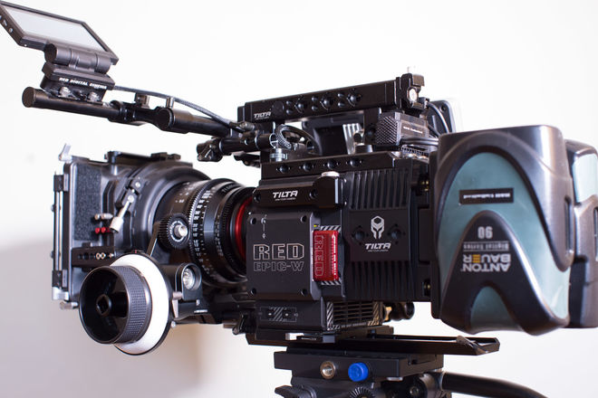 RED DSMC2 HELIUM 8K S35 (EPIC-W) w/  XEEN Lenses