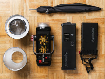 Aputure LS C300D Daylight LED light / fresnel+soft kit 300D