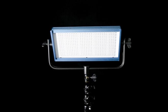 Dracast LED500 Pro Bi-Color LED Light with V-Mount Battery P