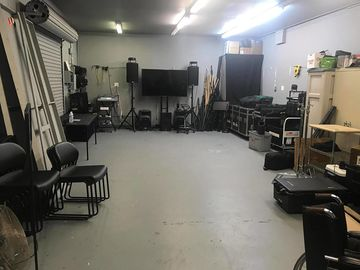Rent: Studio 405