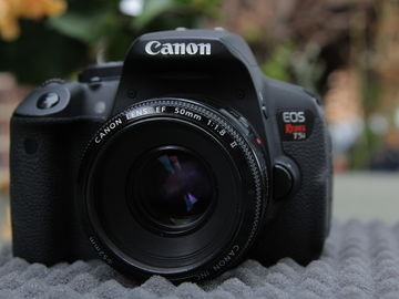 Rent: Canon EOS Rebel T5i