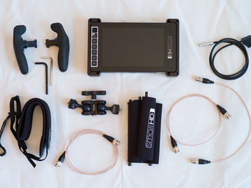 SmallHD 703 UltraBright Complete Package + Gold Mount Plate