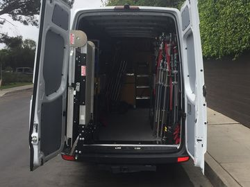Rent: Grip/Electric SprinterVan  Tungsten, Led's, KinoFlo, Cstands
