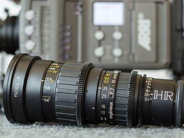 Rent: Angenieux 7-81mm HR T2.4 Super 16 Zoom