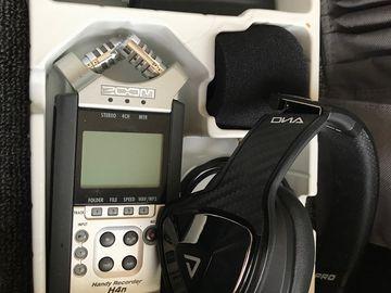 Rent: Zoom H4n Pro with Headphones