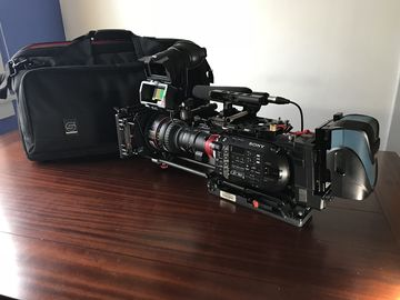 Rent: Sony FS7 package (Interview Complete)