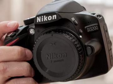 Rent: Nikon D3200