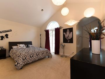 Rent: Large Production House Near Beaches In Hawthorne, CA