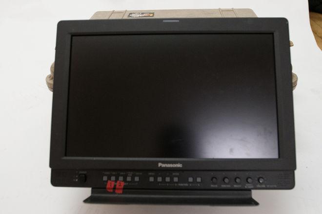 Panasonic BT-LH1700 17-in Widescreen LCD Monitor