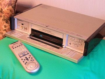 Rent: Samsung SV-7000W VHS World-color-system VTR / Converter