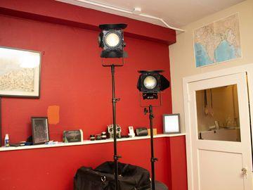 Rent: Sola 4 LED Fresnel (2) Light Kit