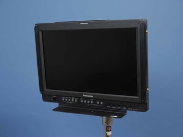 Rent: Panasonic 17-in Monitor with battery mount