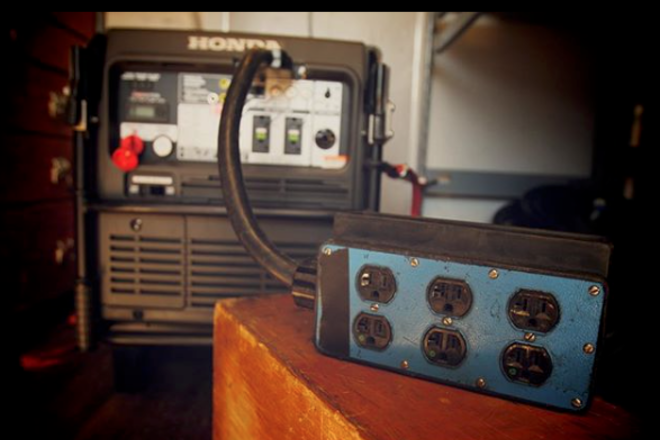 Honda 7000W Generator w/6PlugGangbox, 100' 60A Bates