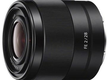 Sony FE 28mm F2 full frame e-mount lens