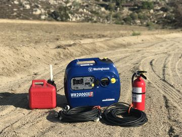 Rent: 2000W Generator w/ Extinguisher, Gas Can, & 2x 50' Stingers