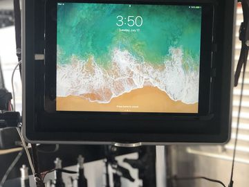 "Rent: Apple Ipad 10.5"" 64gb RETINA  - Teradek Serv / Teleprompter"