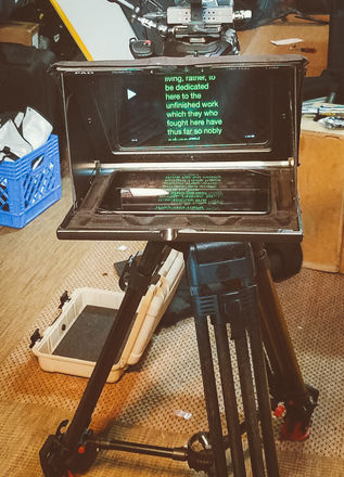 Teleprompter Complete Setup. Ipad with prompter app