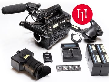 Sony PXW-FS7 Canon EF , Mic (4) 128GB Cards (4) Battery