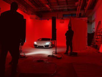 Rent: Production Studio - 2 Wall Cyc 40'x32'x16' - Vehicle Access