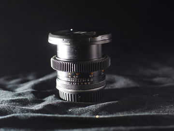 Contax Zeiss 28mm f/2.8 AE (EF Mount)