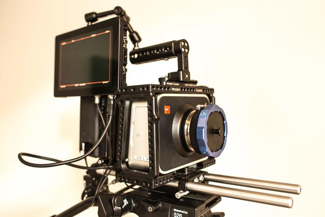 Blackmagic Cinema Camera 2.5K PL Mount (Content Package)