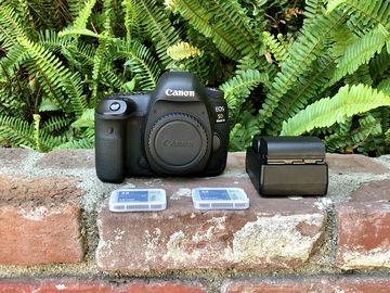 Rent: Canon EOS 5D Mark IV Full Frame 4K