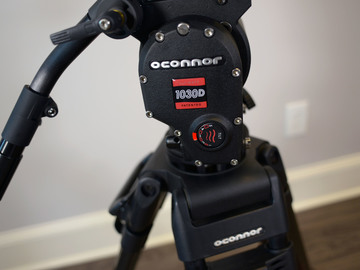 Rent: Oconnor 1030D with 30L Tripod
