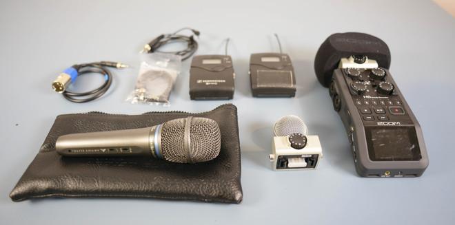 Audio Kit: Zoom H6N, Sennheiser Lav, Shure handheld Mic