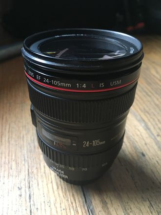 Canon EF 24-105mm f/4 L IS USM w/ Hood