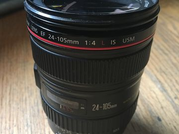 Canon EF 24-105mm f/4 L IS USM w/ Hood