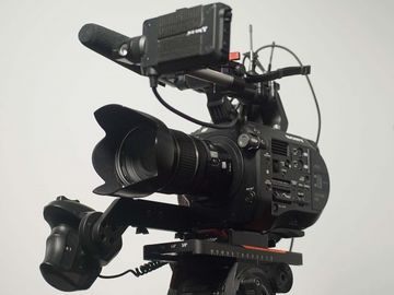 Rent: SONY FS7 Camera Kit with 2 Lenses and extras