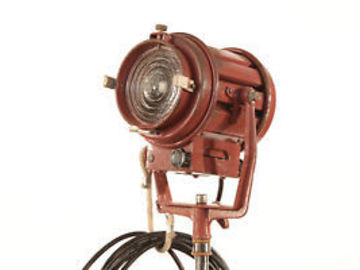 Mole-Richardson 650 Watt Tweenie Fresnel