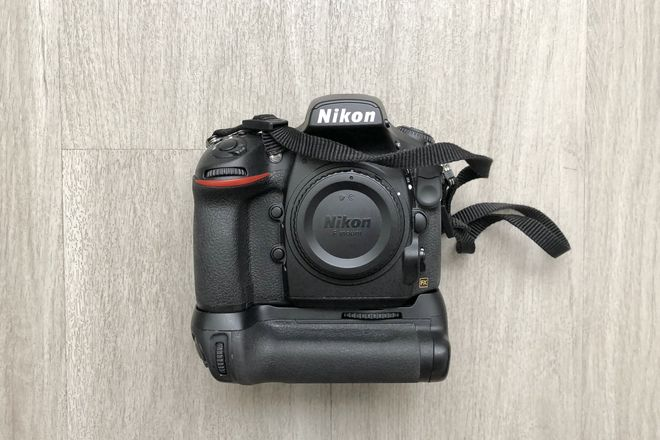 Nikon D810 body and battery grip