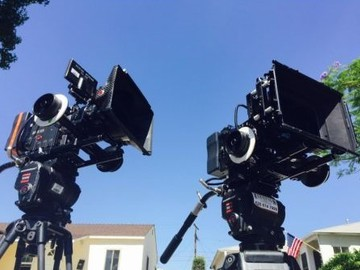 Rent: Emmy PACKAGE (Include Truck, G&E,Camera, Lens)