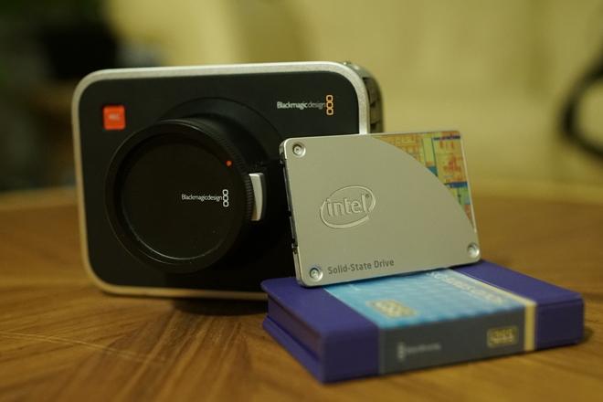Blackmagic Cinema Camera 2.5k EF Kit