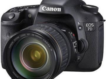 Canon 7D - Basic Package w/ 28-135 EF Lens