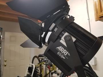 Rent: Arri 650 Watt Plus Tungsten Fresnel (Black) w/ BD & Scrims